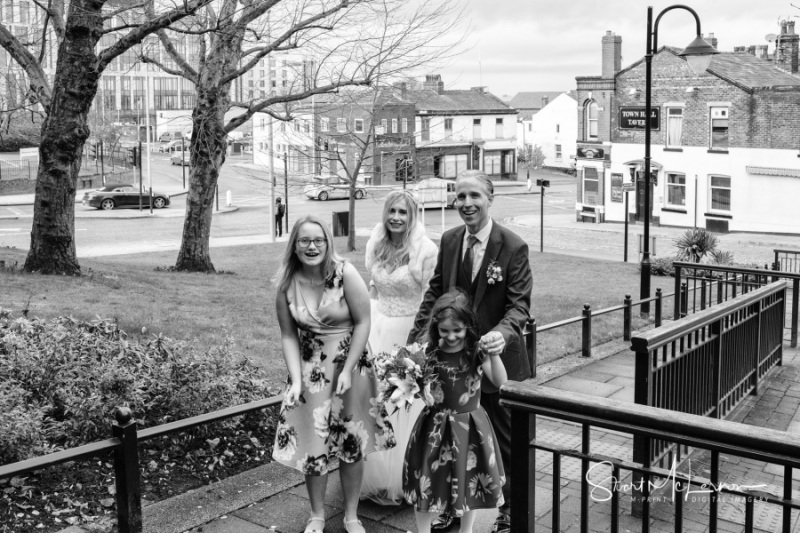 Bride and Groom arrival at Stockport Town Hall